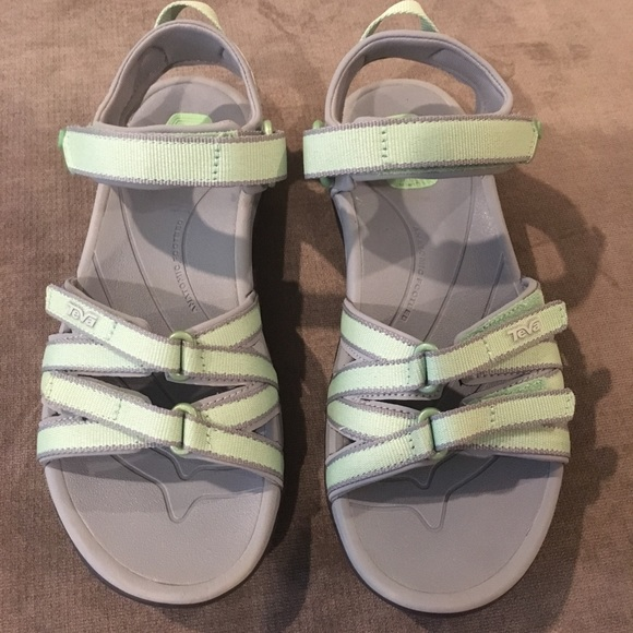 5376d6bd1e8f7d TEVA light green gray sandals size 6